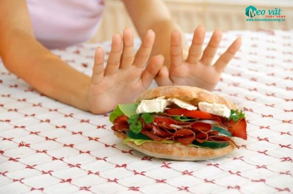 Bị đau dạ dày không nên ăn gì?