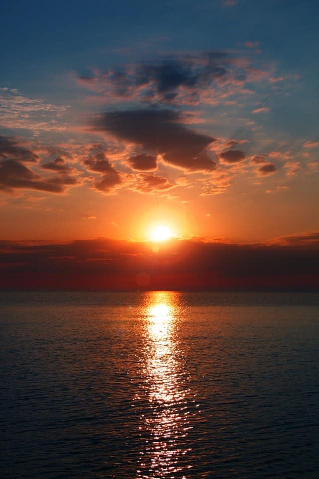 Hình ảnh mặt trời mọc cực đẹp