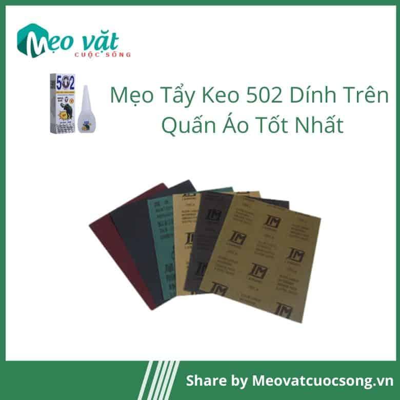 Tẩy keo 502 dính trên quần áo bằng giấy nhám